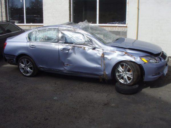 Lexus is dalimis