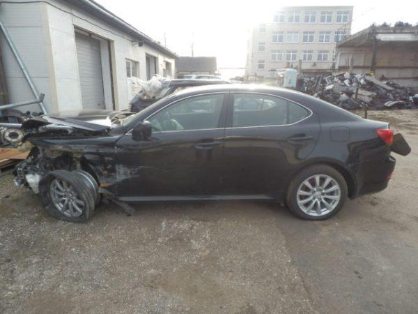 Lexus IS dalys